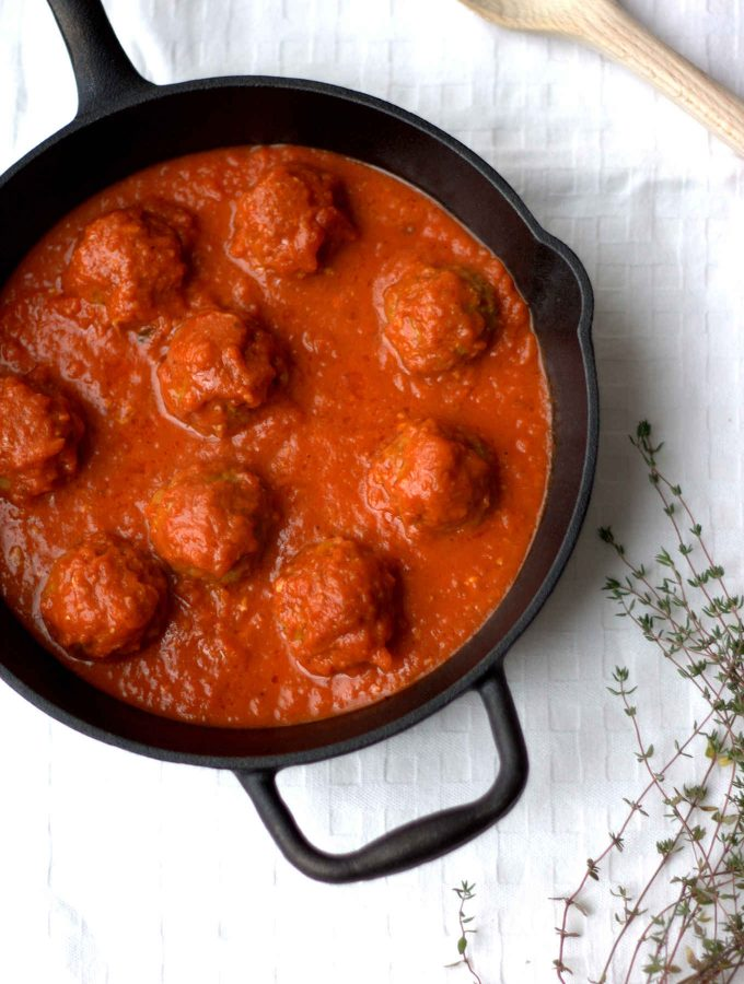 {Video instruction on the blog!} These butternut squash & beef meatballs are paleo, gluten-free & dairy-free. Wonderfully delicious and moist! They are a healthy and seasonal take on the traditional Italian meatballs in marinara sauce. Great recipe for the picky eaters too to hide some veggies in the meatballs. Can also be made with other winter squashes.