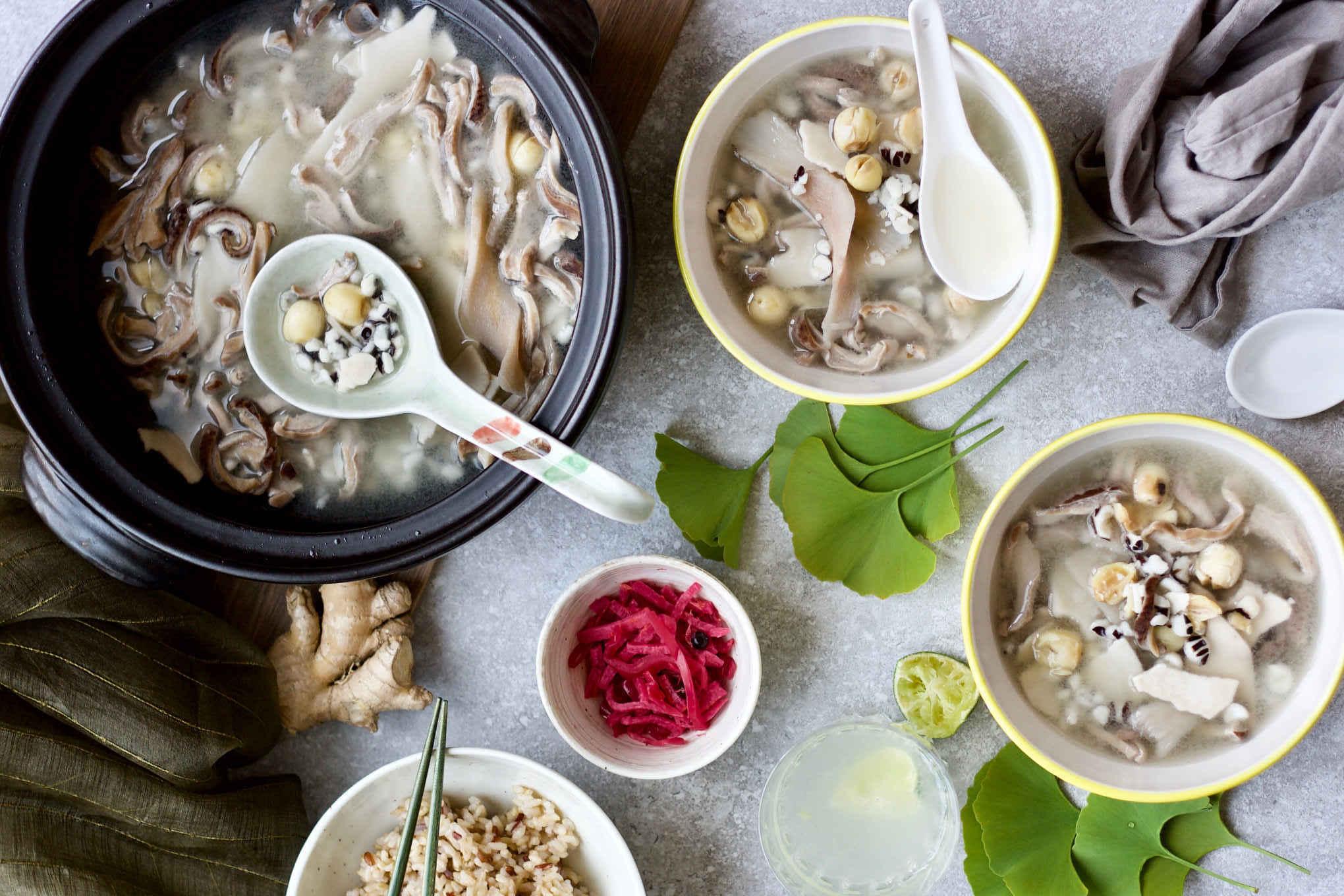 Chinese herbal products - Chinese Medicinal Soup Formula Si Shen Tang Consisting Of Poria