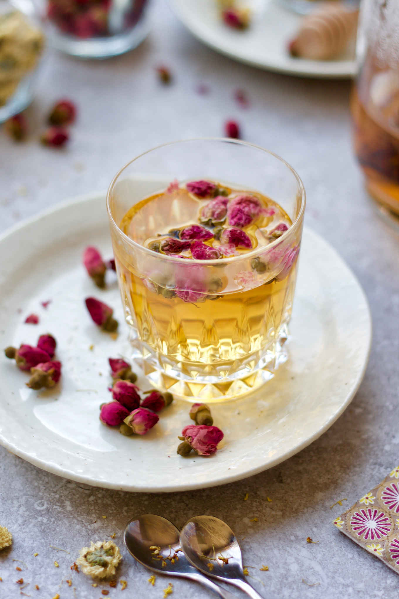 Rosebud white tea: option #2 of 3 floral teas. Try these 3 easy DIY floral teas. Chrysanthemum, rosebud and osmanthus are popular herbal flowers used in tea infusions in China. These 3 herbal flower and tea pairings will dress up your traditional teas, while unleashing the beautiful aromas and healing benefits of the herbal flowers.