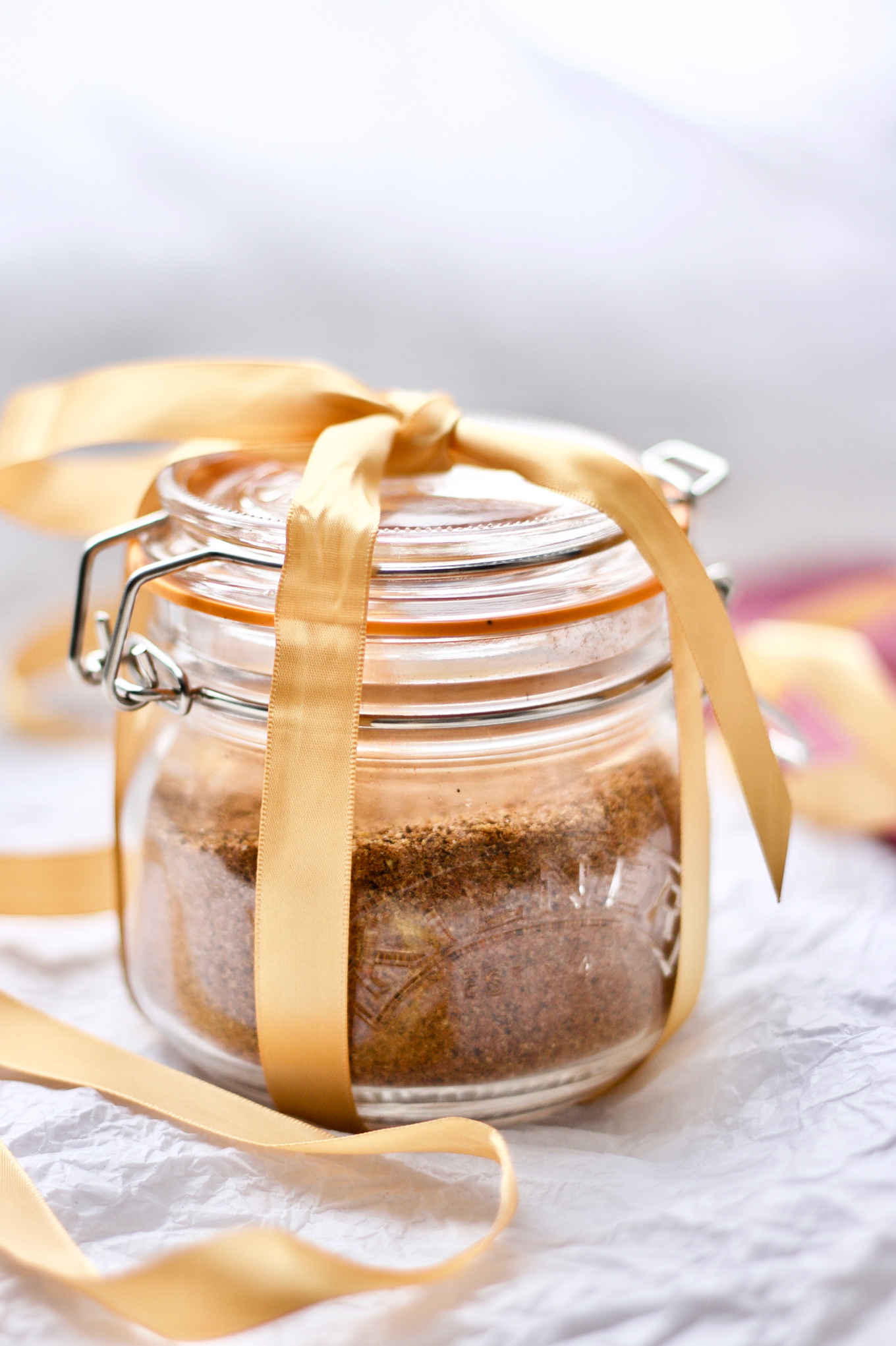 My family favourite paleo dry rub beautifully packed in a glass jar and wrapped as a Christmas present. Use 1tbsp of the blend for each pound of paleo baked ribs.