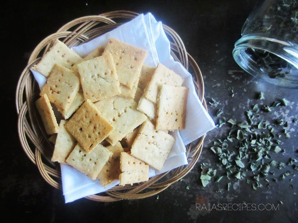 Garlic & herb sourdough crackers, featured in 65+ nutrient dense real food snack recipes.