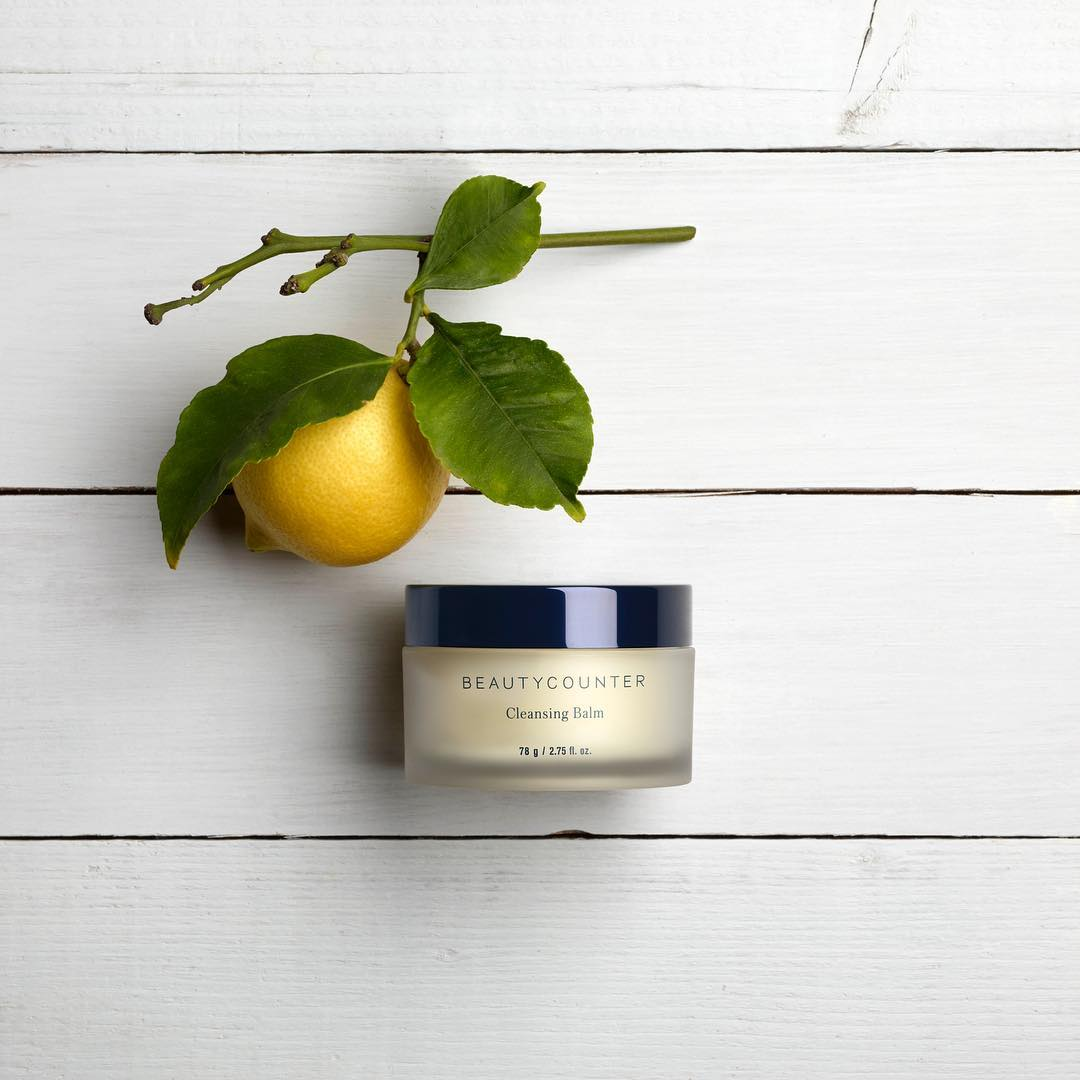 Beautycounter's cleansing balm is a nourishing oil cleanser, gentle on sensitive dry skin, while brightens the skin with vitamin C.