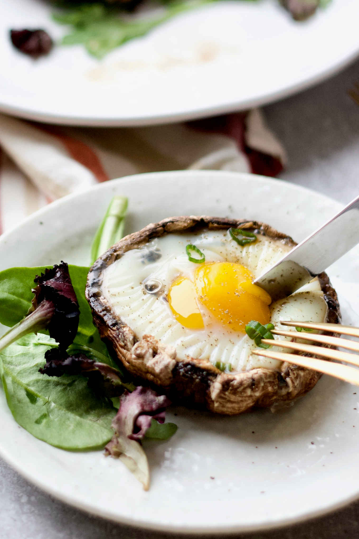 Baked Eggs In Portabella Mushroom Caps Paleo Keto Whole 30 Yang S Nourishing Kitchen